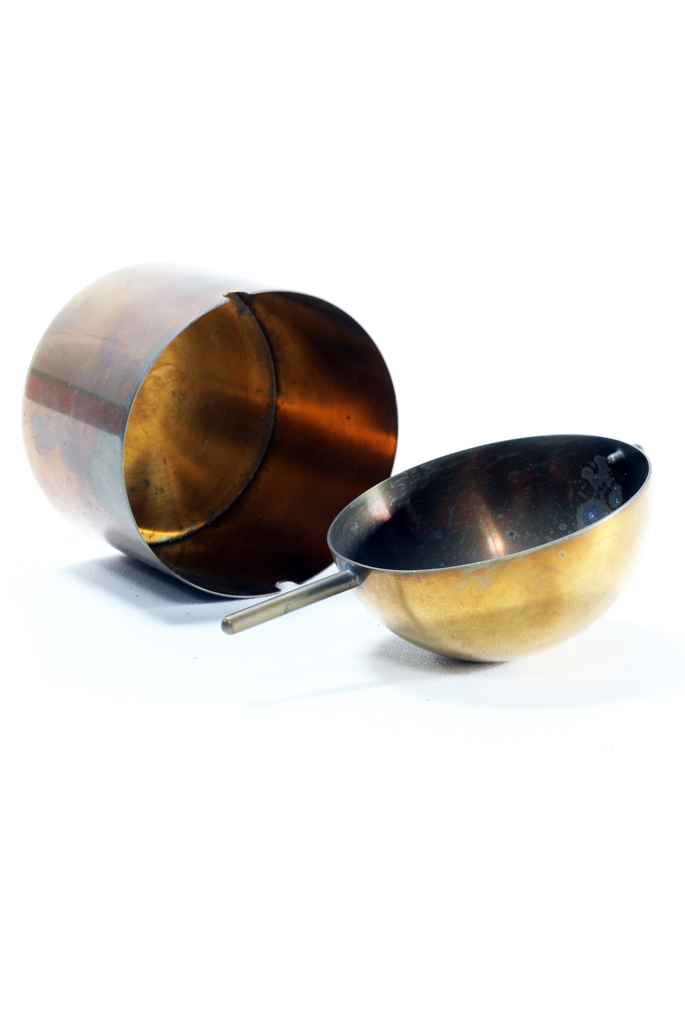 The classic tilting ashtray from Arne Jacobsen for Stelton