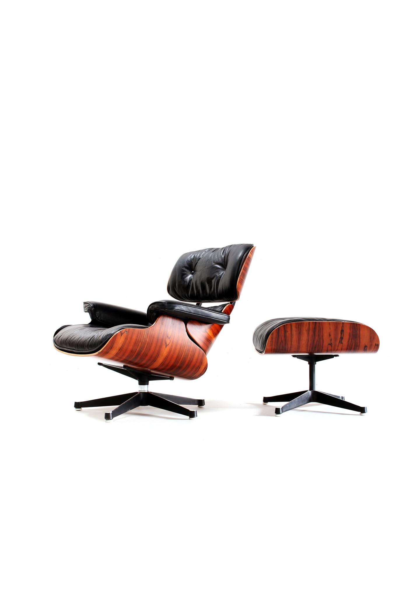 Eames Lounge chair met poef van Charles & Ray Eames