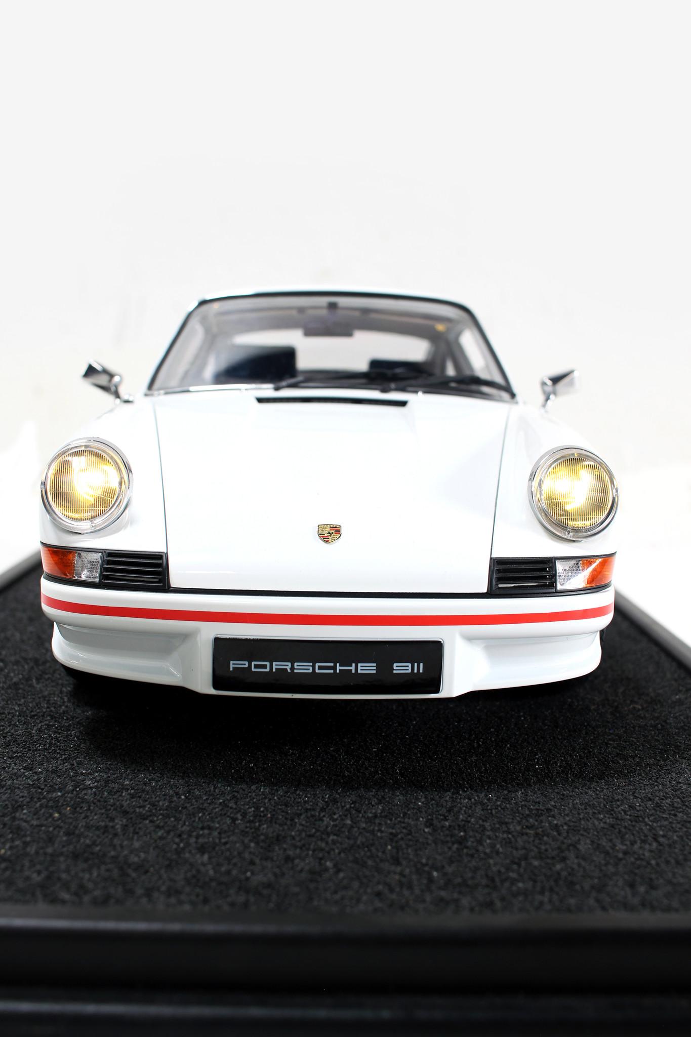 Porsche RS 2.7 schaalmodel 1:8