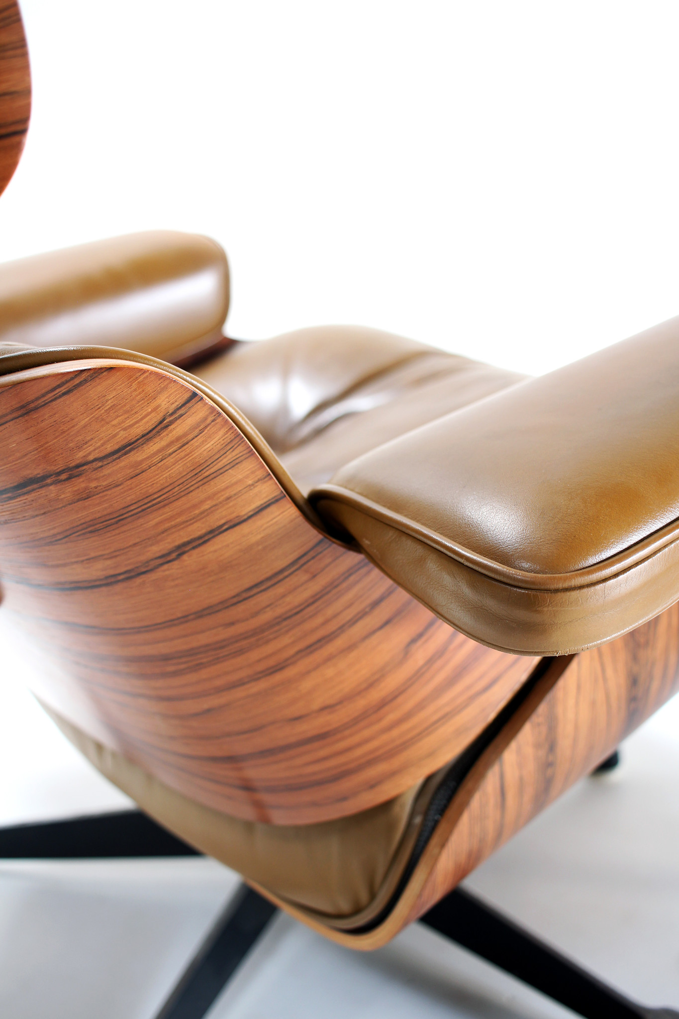 Vintage Eames Lounge chair