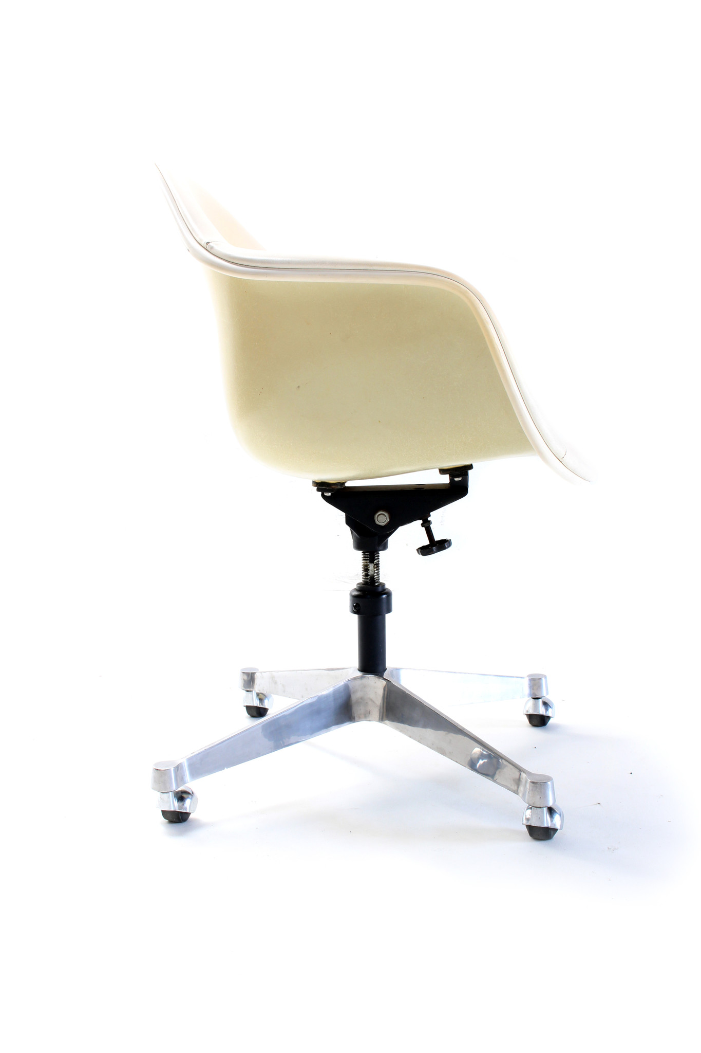 Charles Eames 1950s office chair