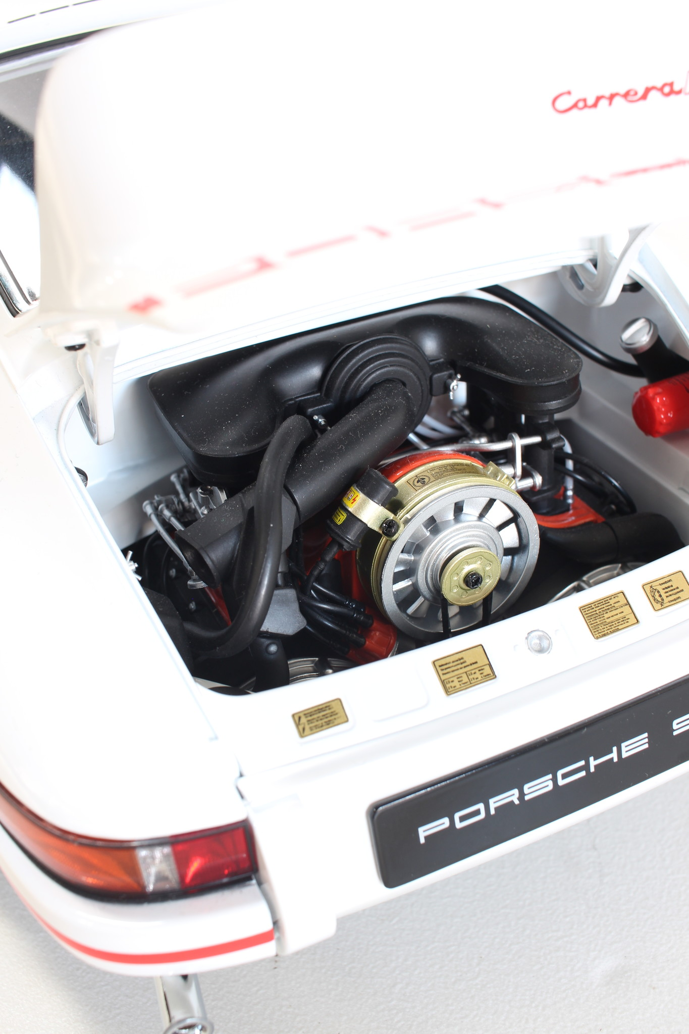 Porsche RS 1: 8 scale model
