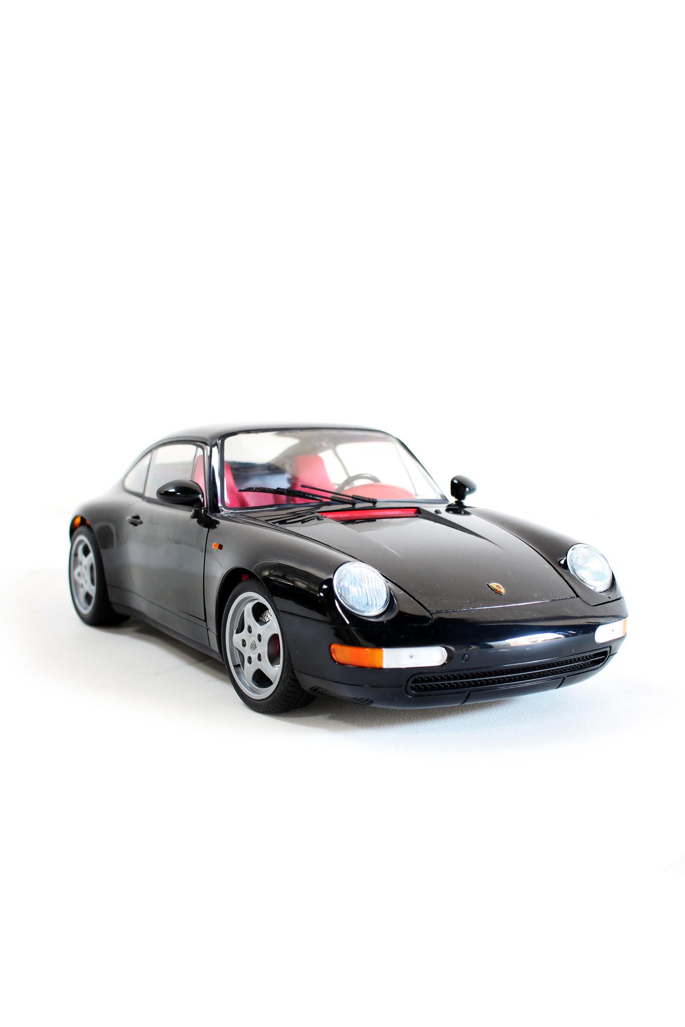 Scale model 1: 8 Porsche 993 Pocher