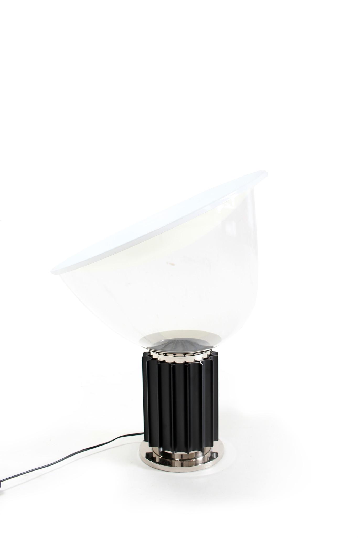 Flos tafellamp Taccia met glazen kap
