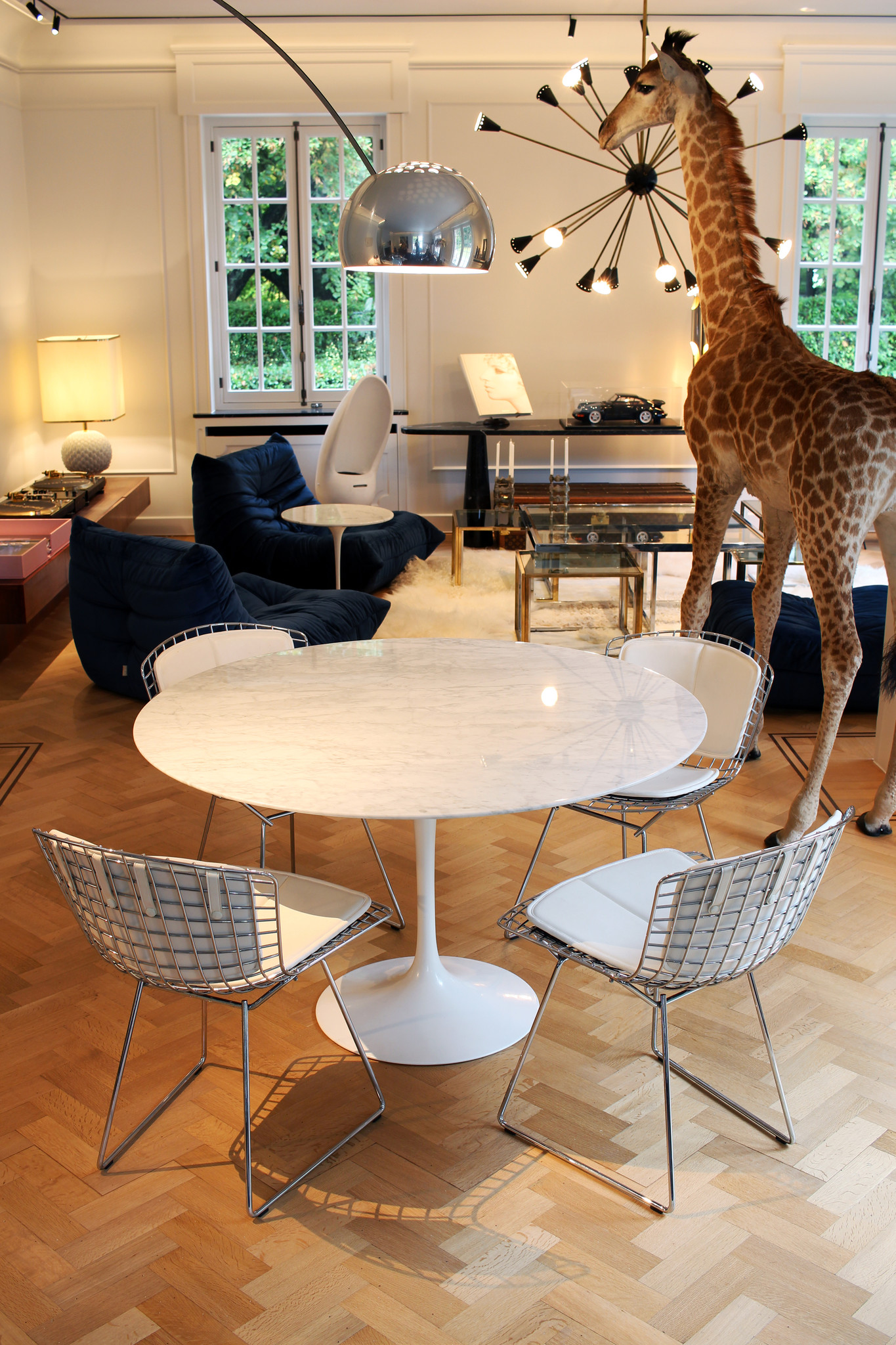 Marmeren vintage Knoll tafel 120cm