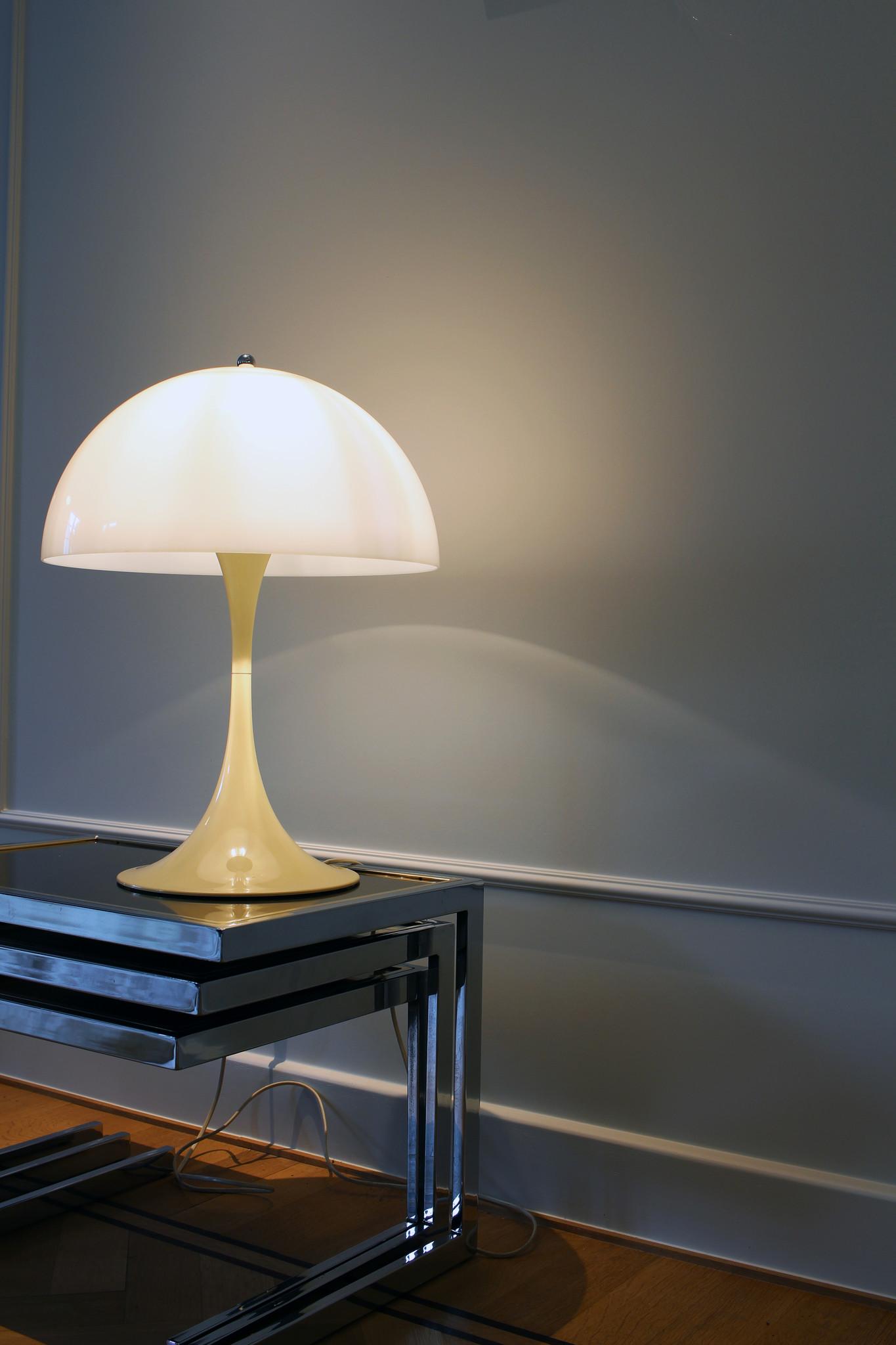 """VERNER PANTON table lamp """"PANTHELLA"""" for LOUIS POULSEN, 1971"""