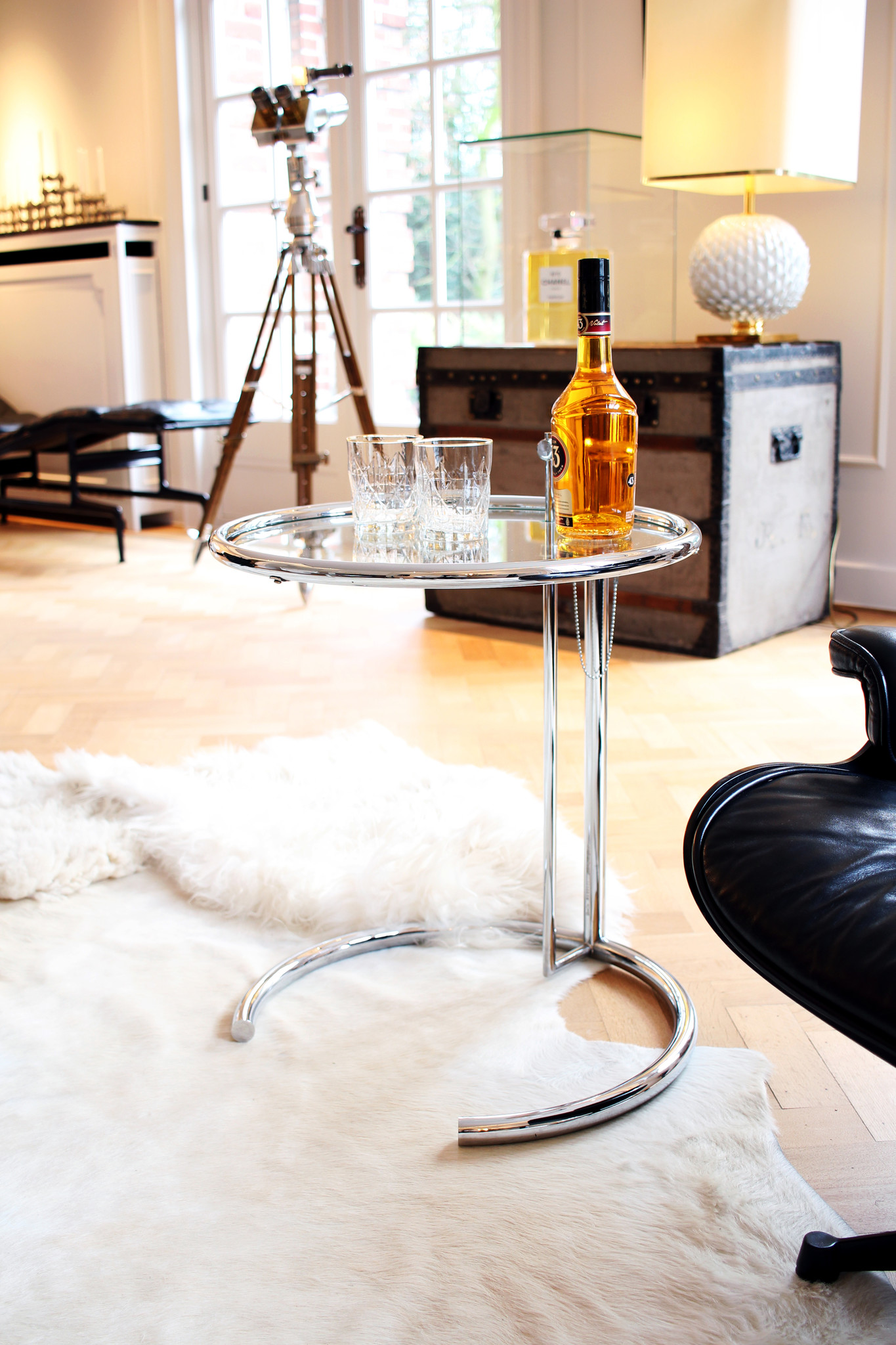 Eileen Gray side table in chrome