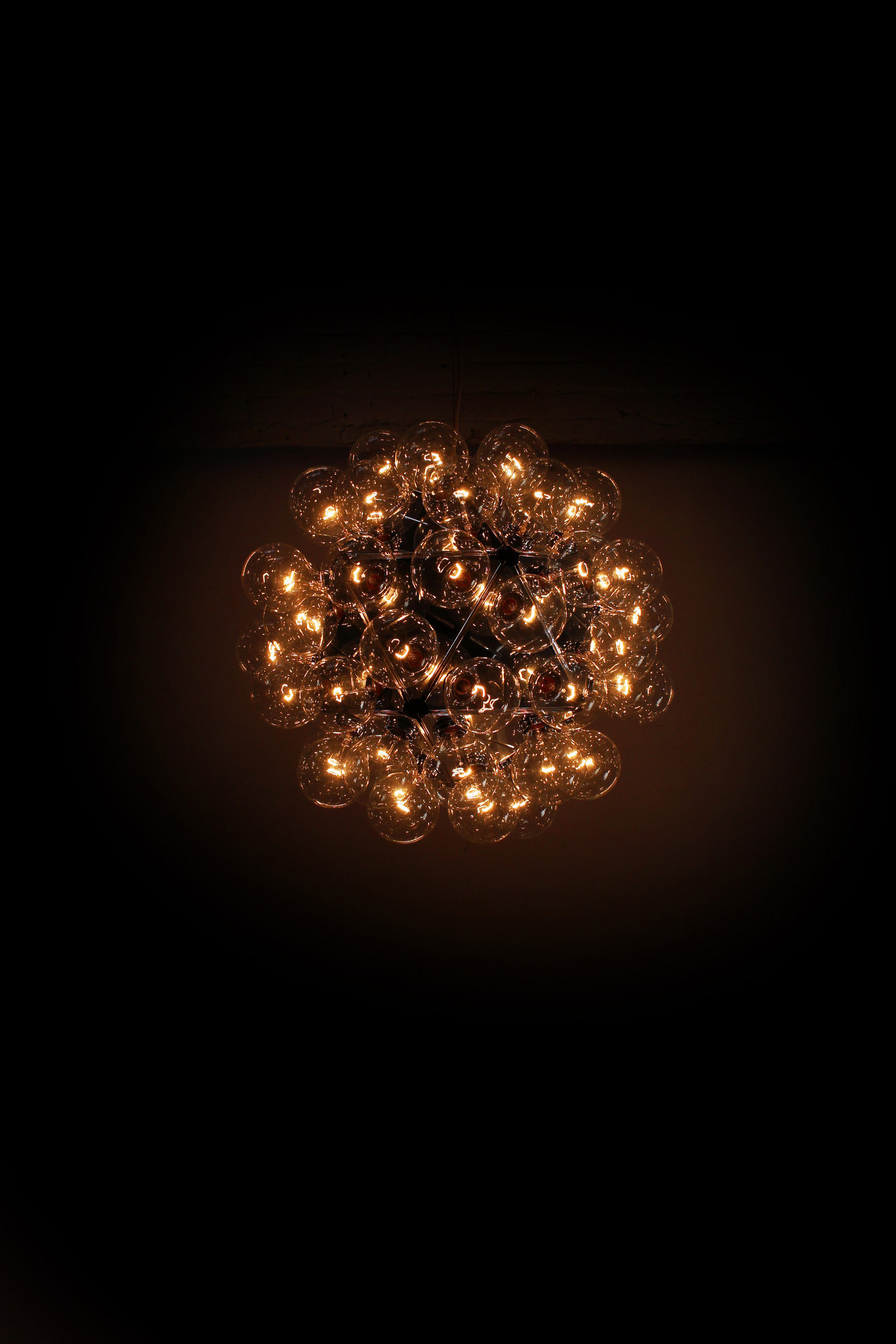 Flos Taraxacum 88 lamp designed by Achille Castiglioni
