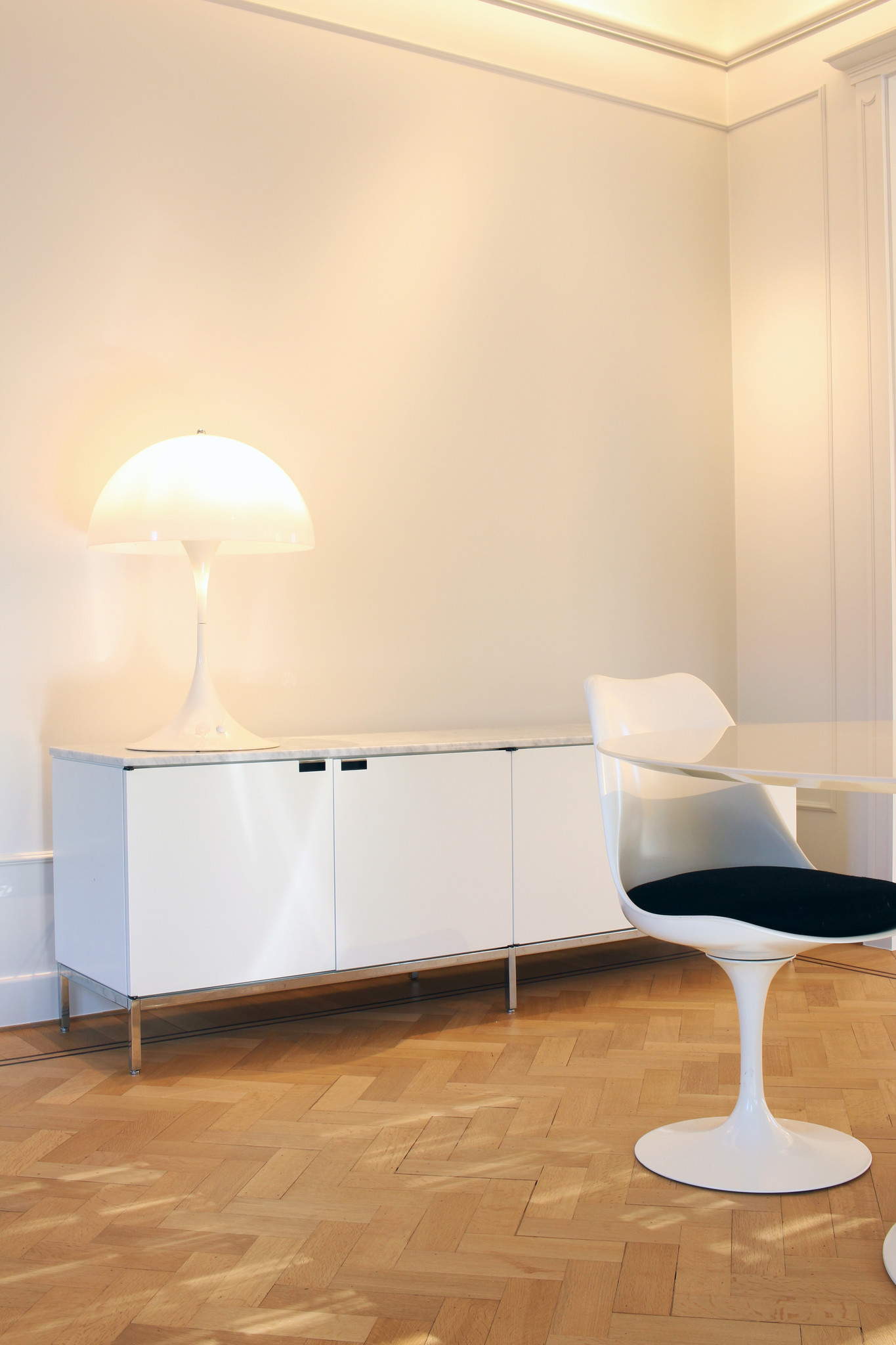 Knoll credenza ontworpen door Florence Knoll, 1961