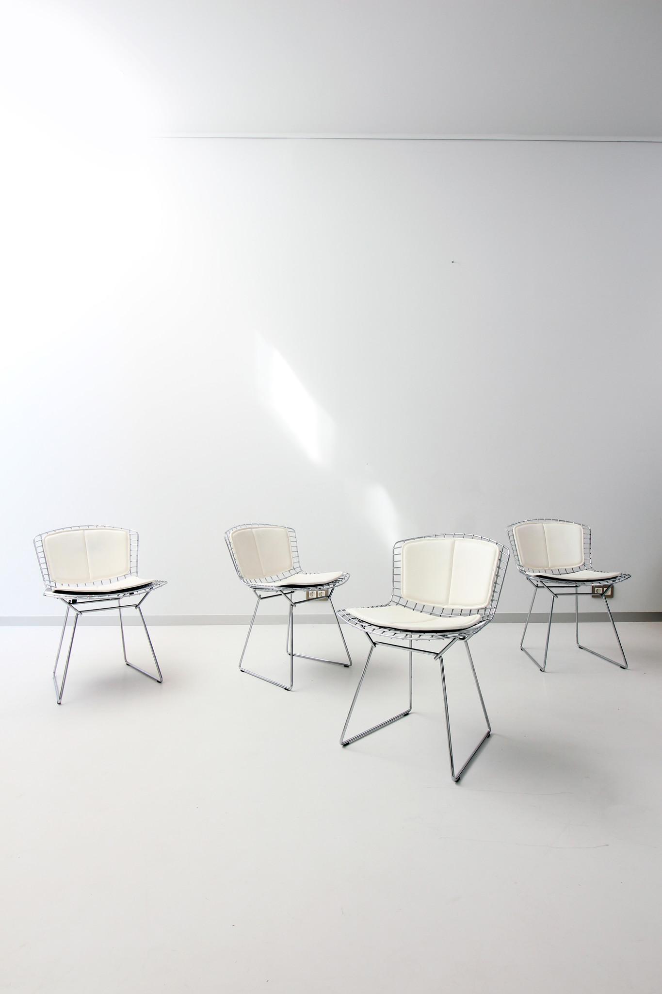 4 Bertoia stoelen door Harry Bertoia voor Knoll
