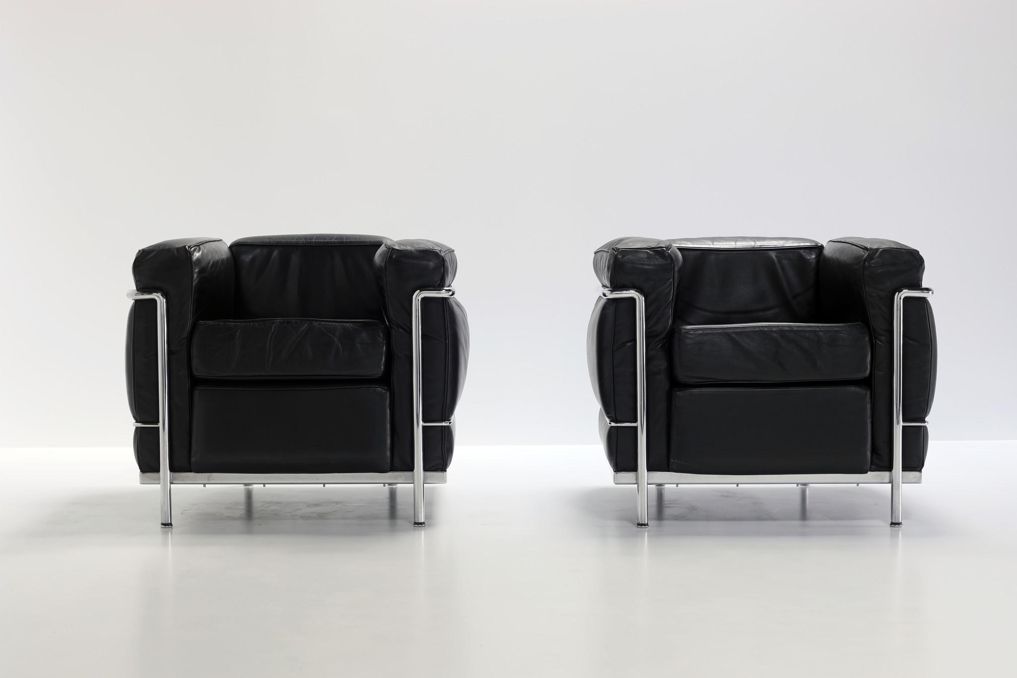 Vintage Couple black Le Corbusier LC2 1-seater for Cassina