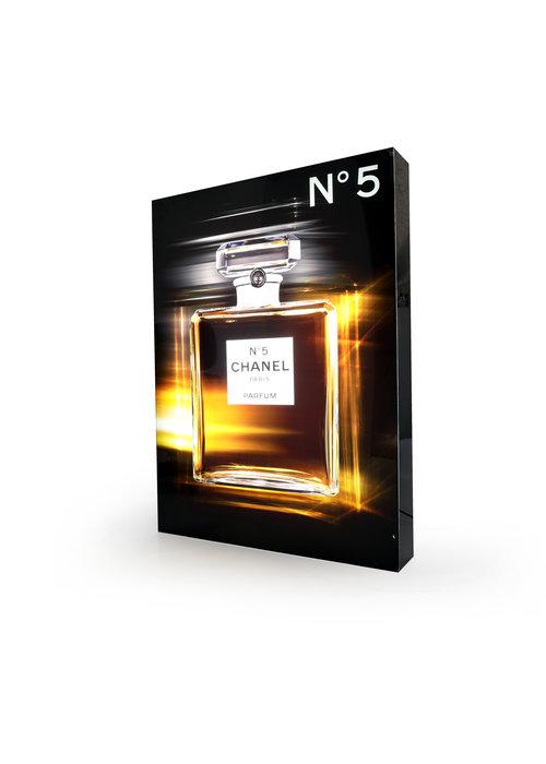 Chanel verlichte display
