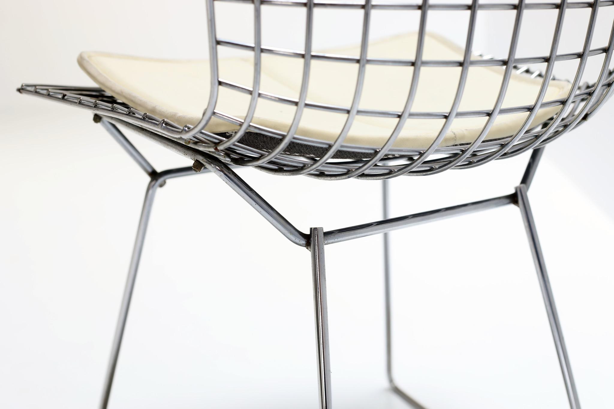 4 Bertoia chairs by Harry Bertoia for Knoll produced by De Coene Kortrijk