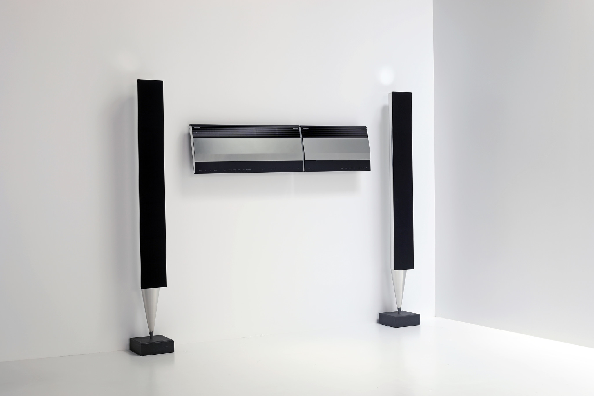 Iconic B&O set ontworpen door Jacob Jensen, 1980's