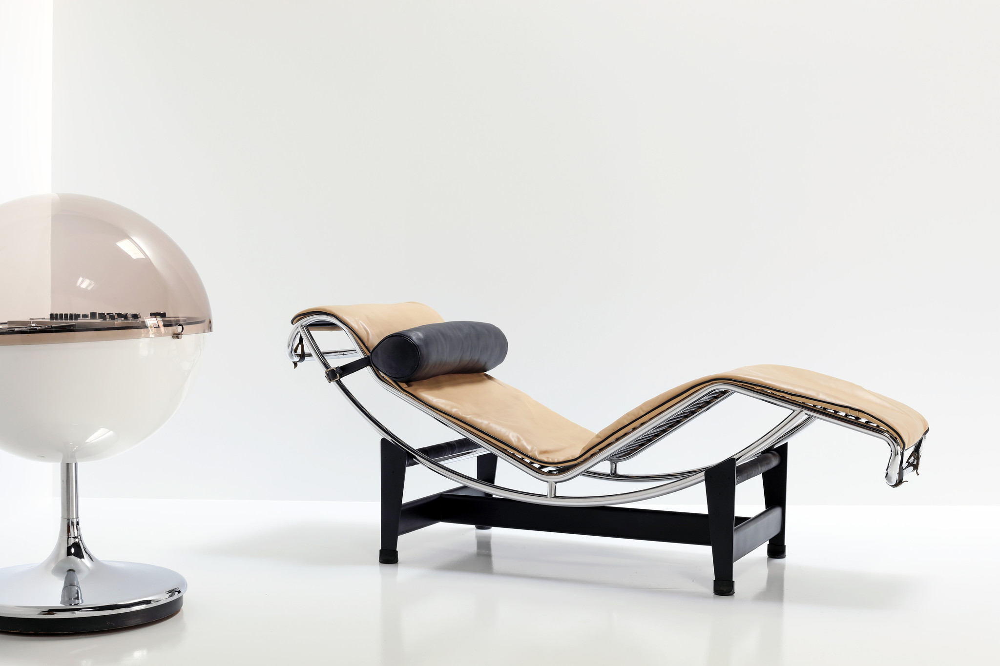 Chaise Longue designed by Le Corbusier LC4 for Cassina, 1970's
