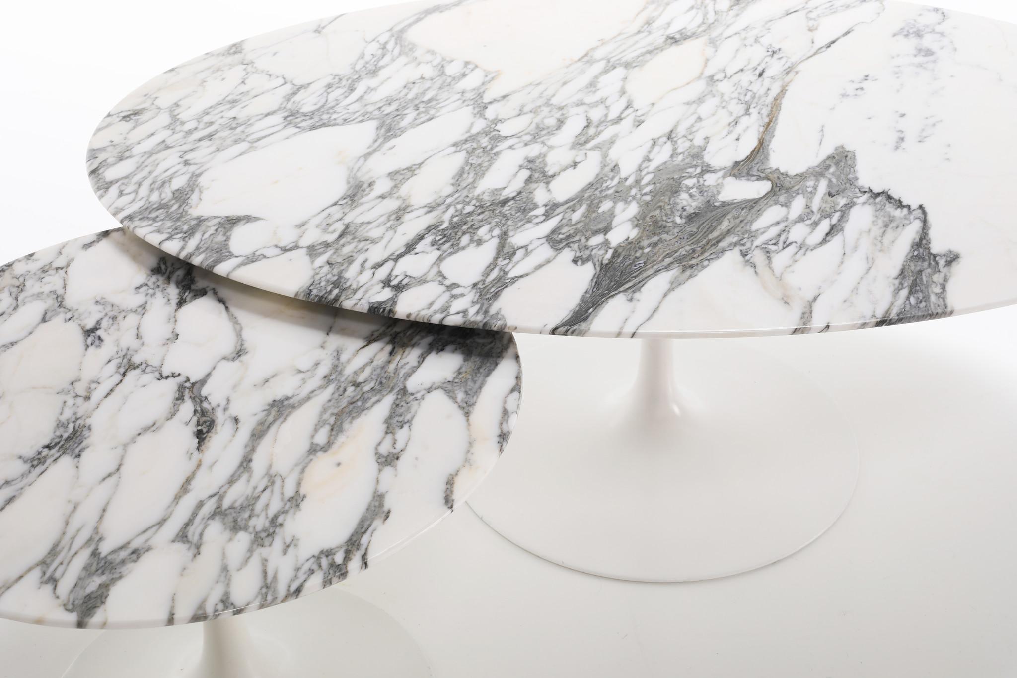 Tulip bijzettafel ontworpen door Eero Saarinen voor Knoll