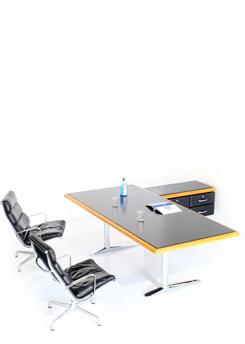 Knoll office management, 1974