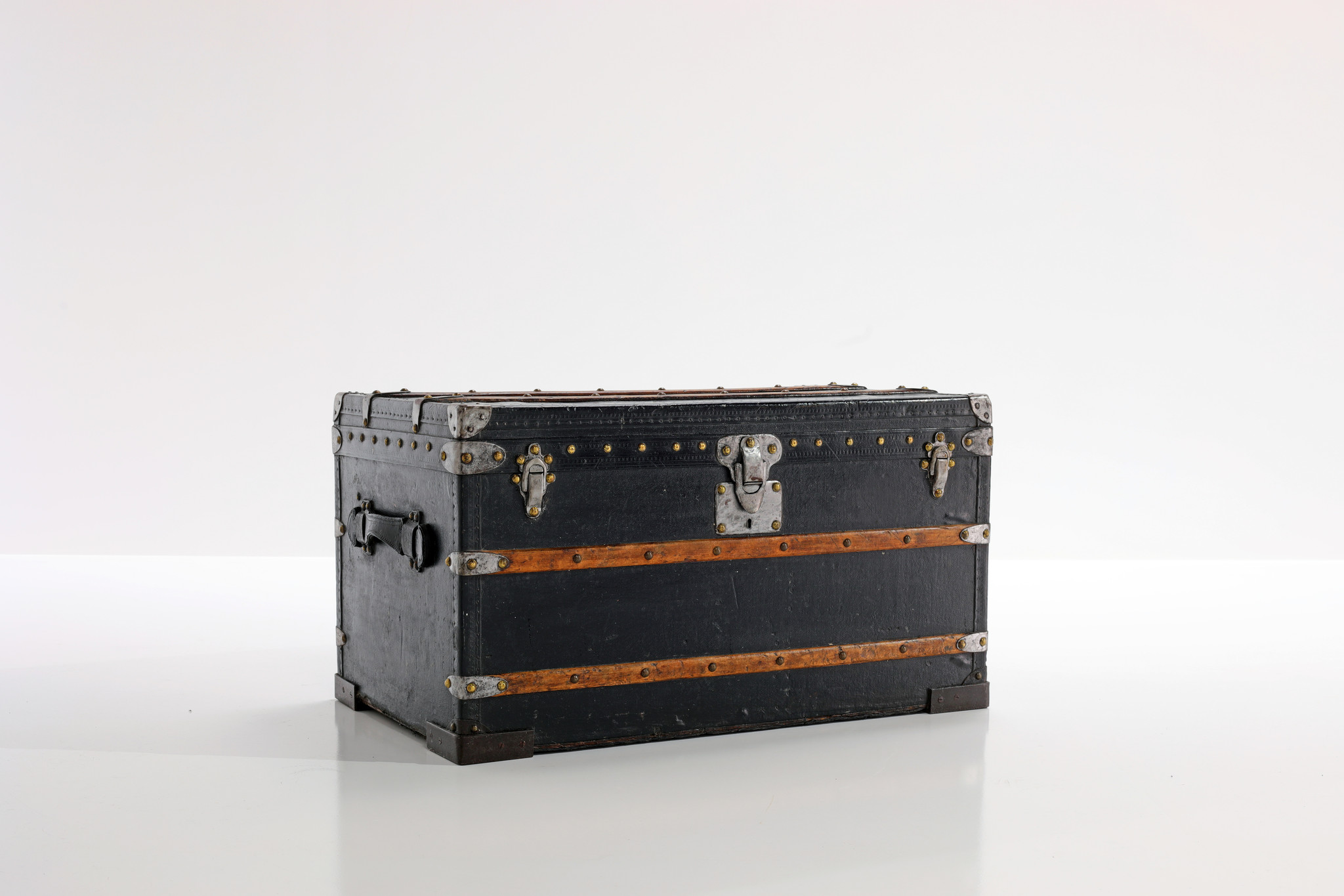 Louis Vuitton trunk, 1920's