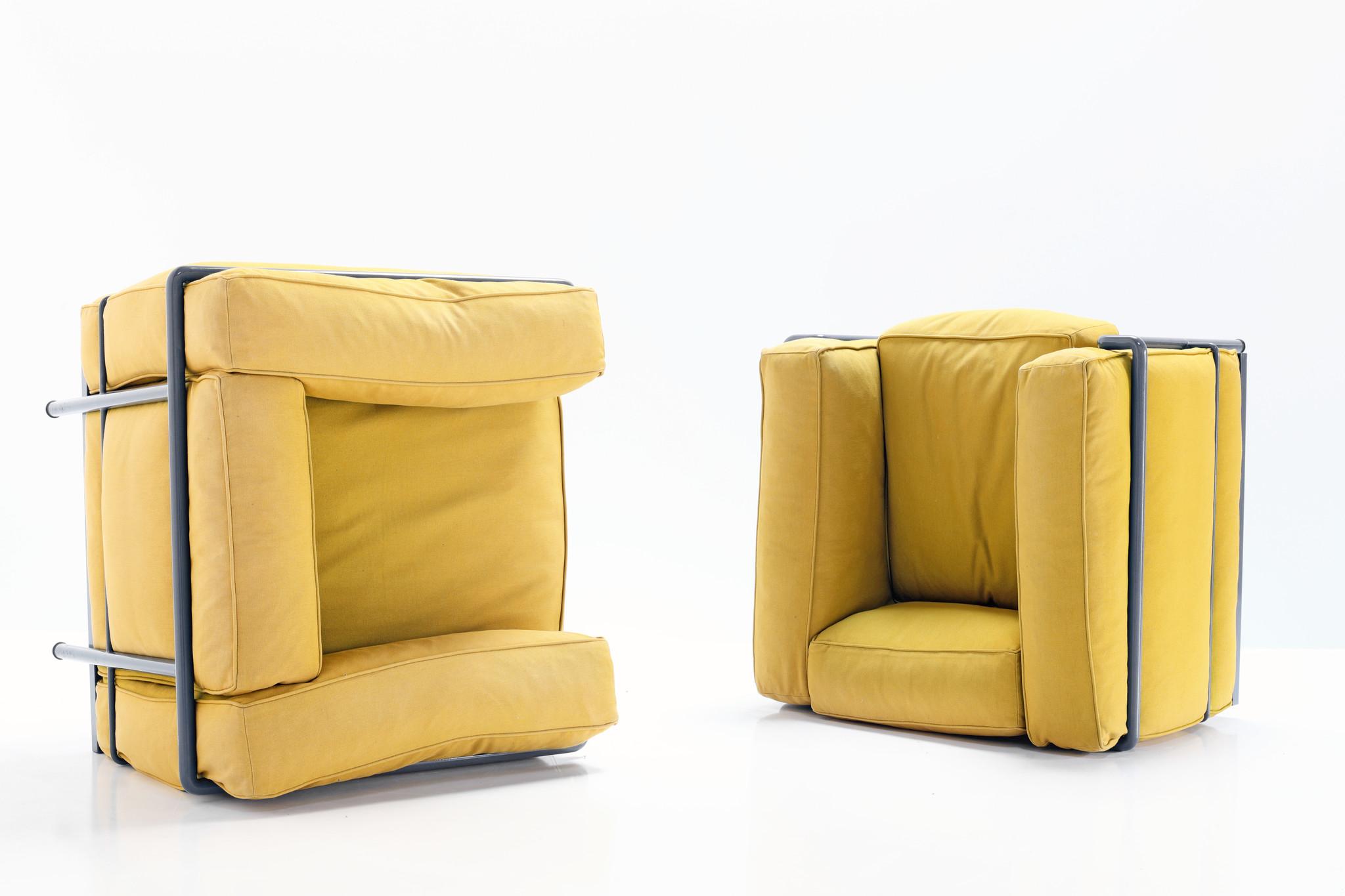 Couple Le Corbusier Lc2 for Cassina