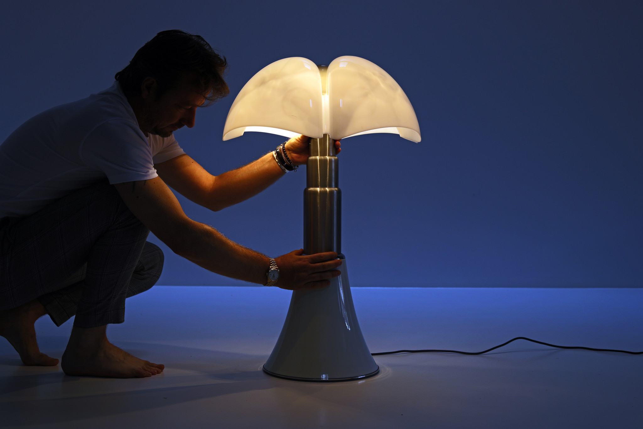 VINTAGE PIPISTRELLO LAMP