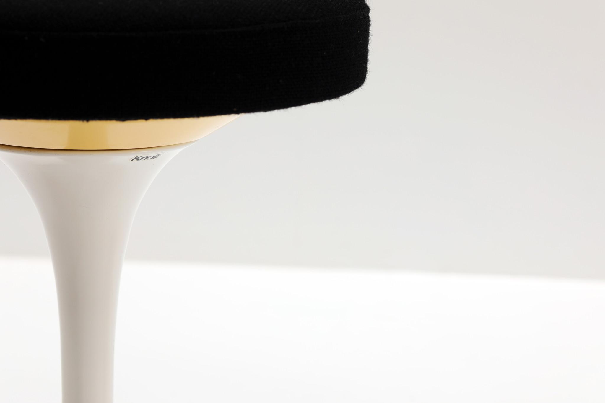 2 TULIP STOOLS BY EERO SAARINEN FOR KNOLL INTERNATIONAL