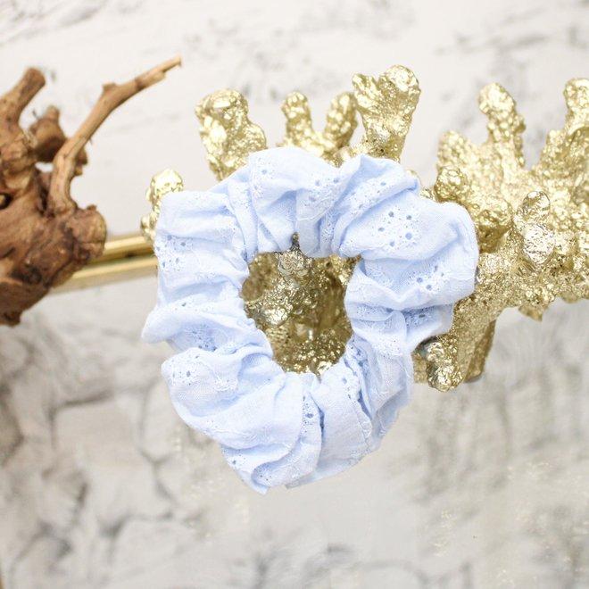 Scrunchie Broderie Blauw