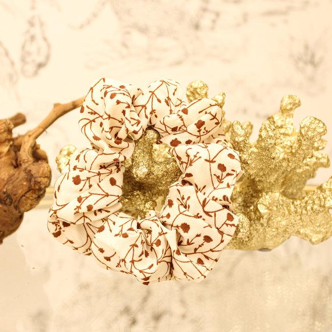 FestyFashion Scrunchie Flower Beige