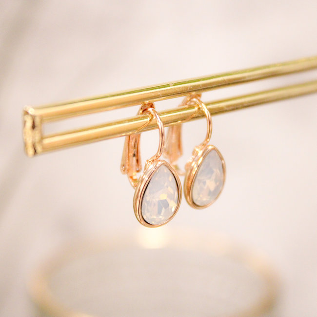 Biba Oorbellen Rose Swarovski White Opal