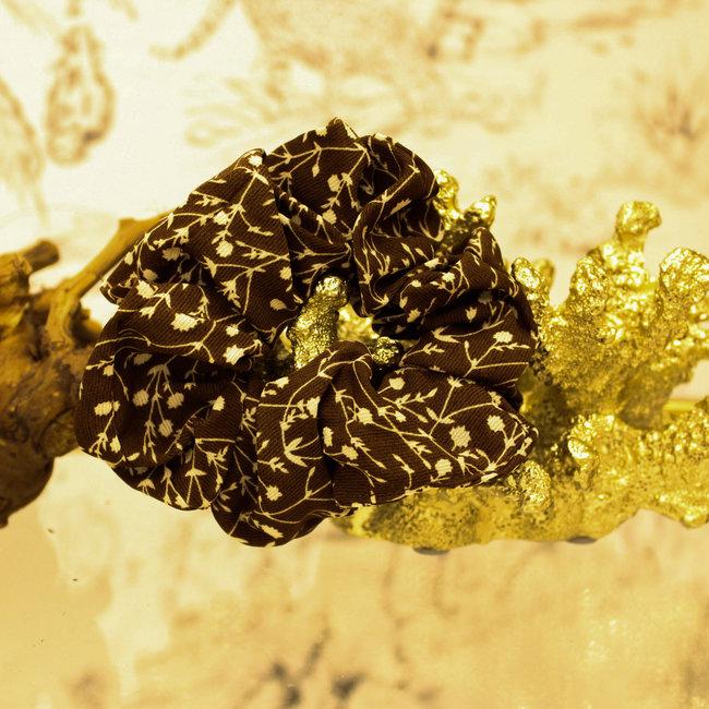 FestyFashion Scrunchie Flower Bruin
