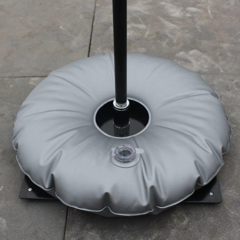 Bodenplatte, schwarz mit Wassersack grau