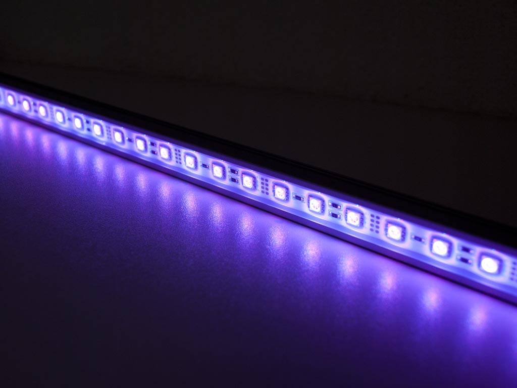 Striscia LED Rigida Impermeabile 50cm - RGBWW 5050 SMD 7.2W