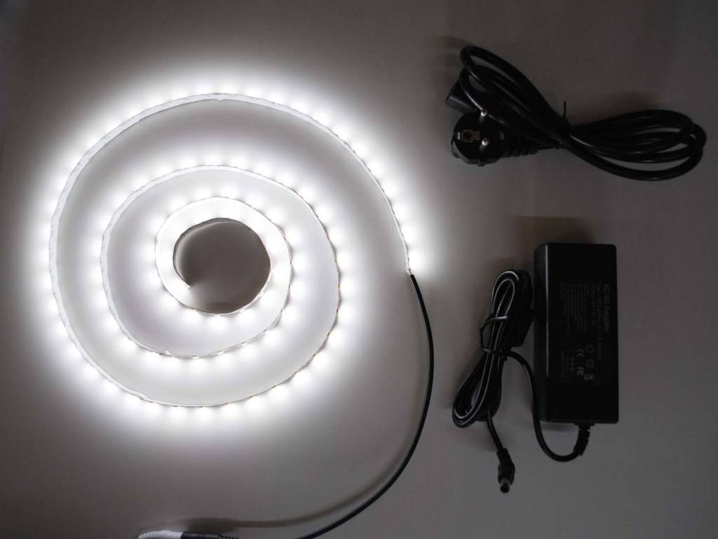 Weiß 5630 60 LED / m Komplett