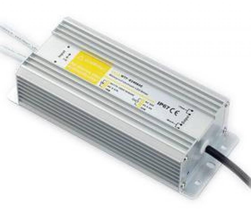 Transformateur 100 Watts Étanche (12V8.3A)