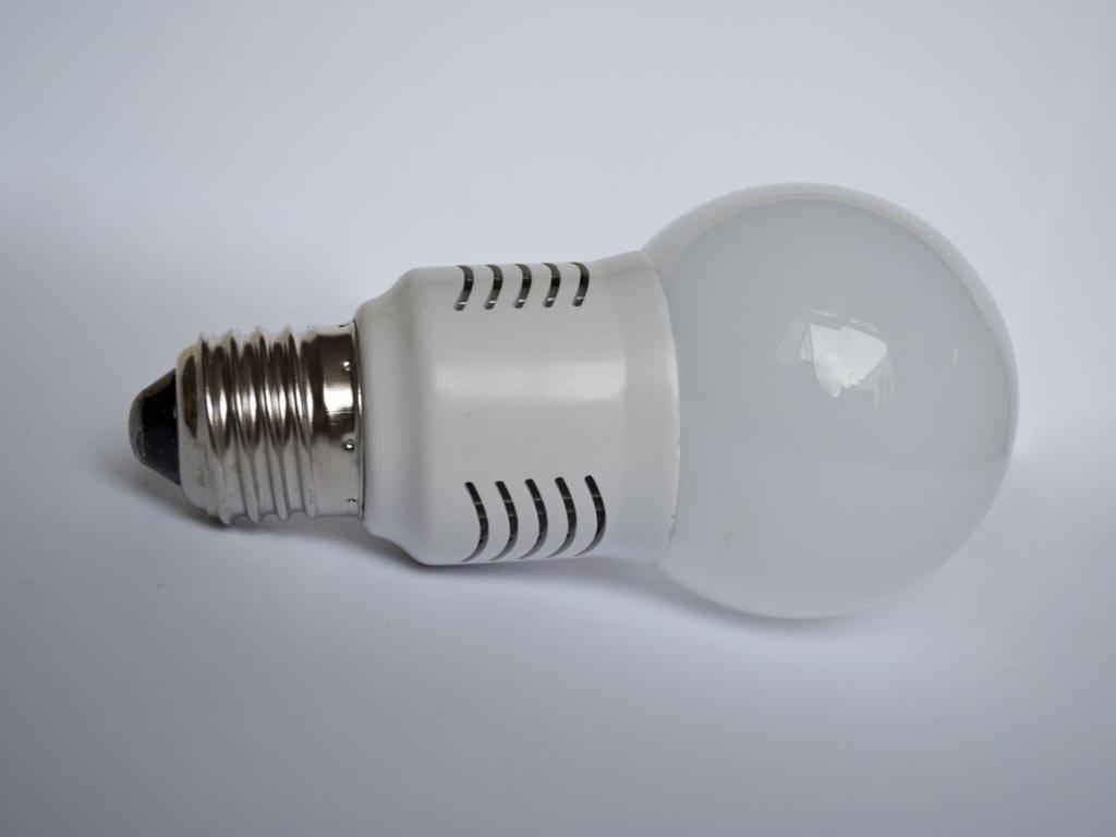 E27 LED Glühbirne LMB1 230V 3 Watt 110-230 Volt