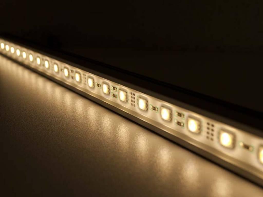Striscia LED Rigida Impermeabile - Blanco Caldo - 100 Centimetri - 5050 SMD 14.4W
