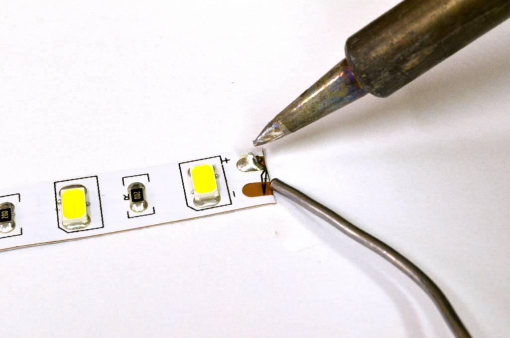Tira LED Flexible 2835 120 LED/m - Blanco cálido ~ Blanco - temperatura de color ajustable - por 50cm