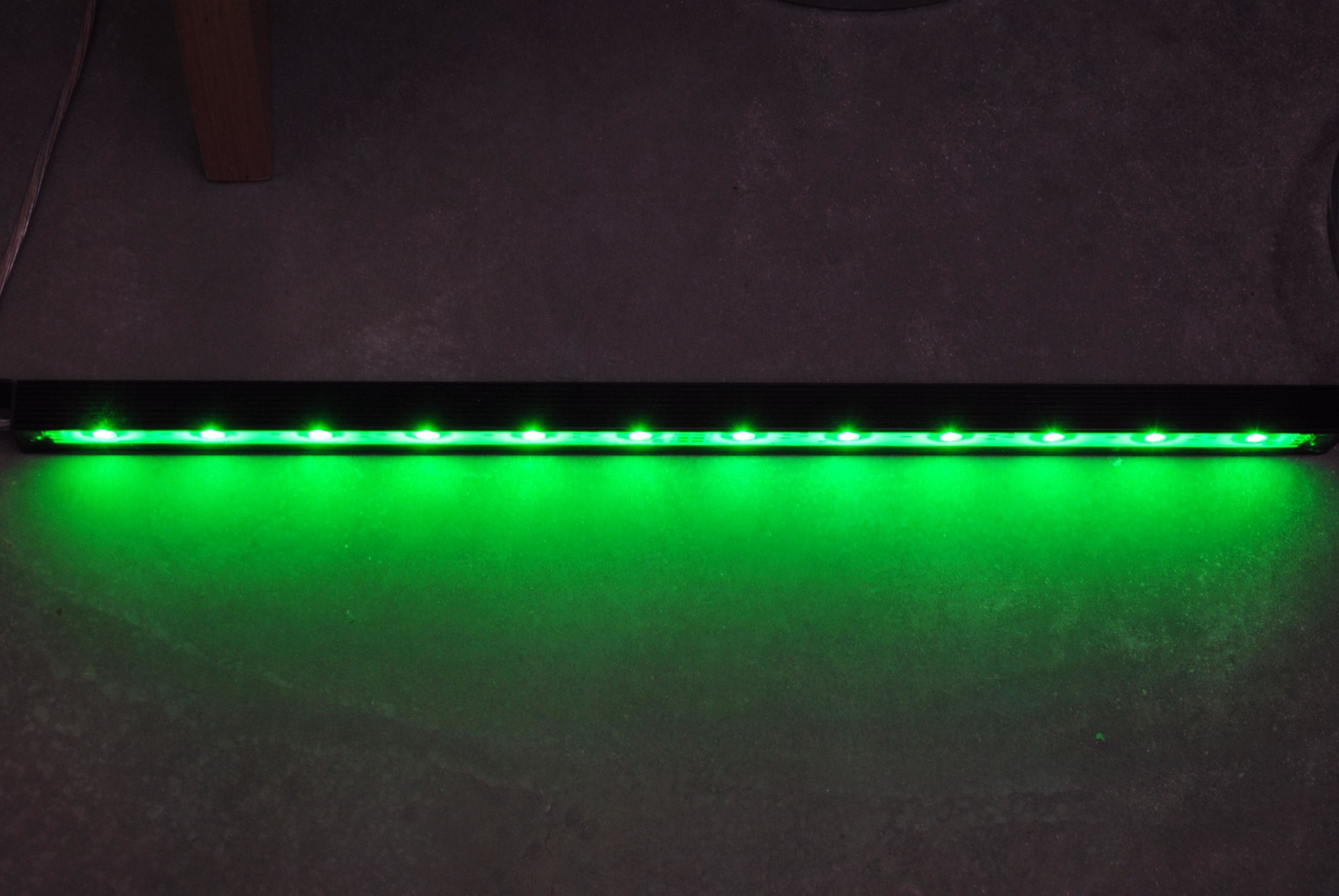 LED Leiste 50 Zentimeter LEDBAR PRO RGBWW IP68 Wasserdicht 12W 24V