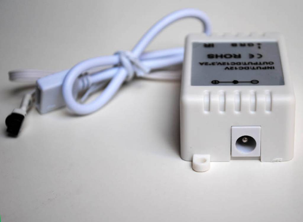 RGB Controller met IR-afstandsbediening