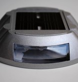 Réflecteur de route LED sur énergie solaire