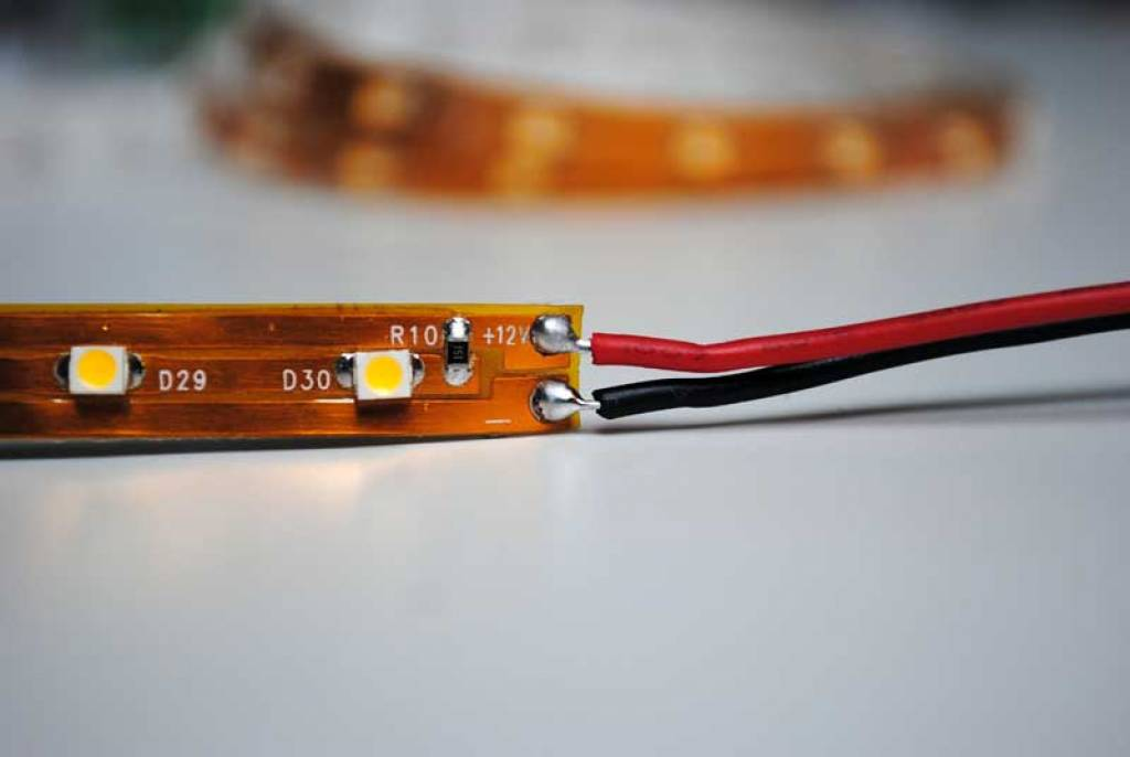 LED en bande auto-adhésive - Rouge - par 50cm