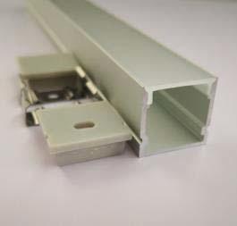 Perfil de aluminio 2020 - 1 Metro