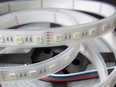 Striscia Luminosa a LED 60 LEDs/m RGBWW Singulo Chip impermeabile (IP68) - per 50cm - Tutti Colori e bianco caldo
