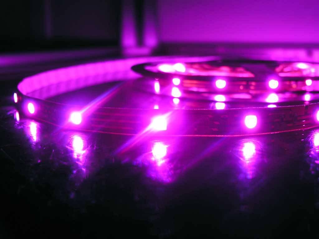 RGB Multicolor 30 LED / m - 5 Meter Komplett - In Blisterverpackung