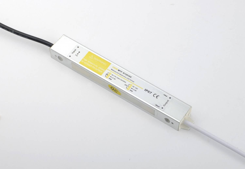 Alimentación de 30 Watts Impermeable 24V