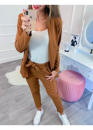 Suit Camel