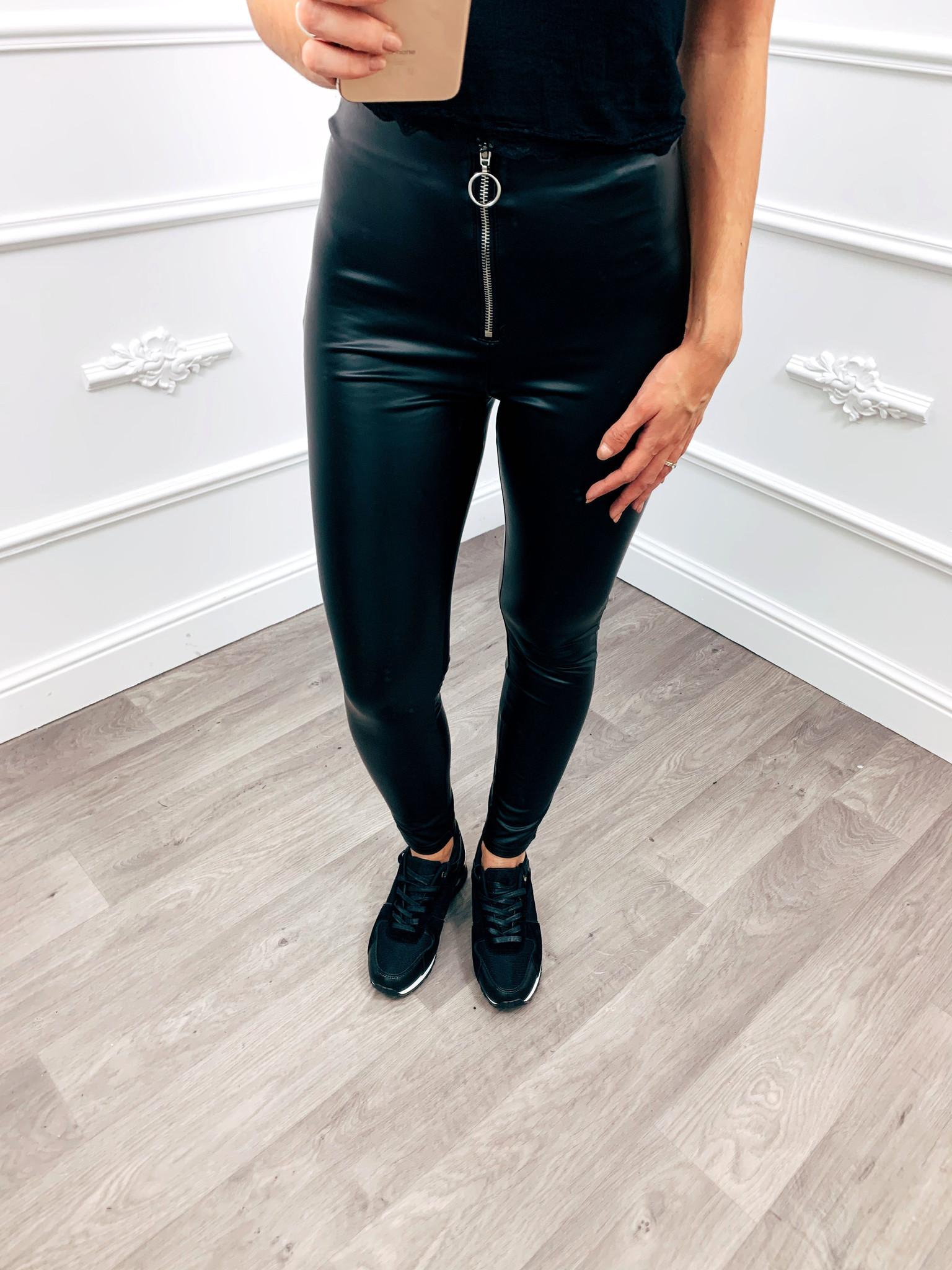 Deze legging is de trend van dit moment! combineer deze legging met onze nieuwste sweater dresses en jij hebt ...