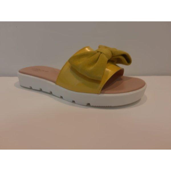 Clarys 91E 6654 amarillo