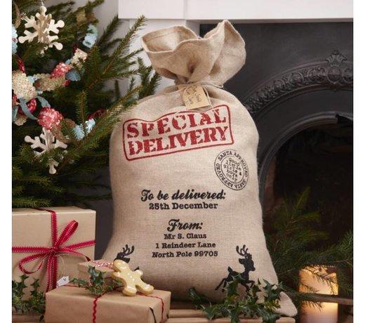 Kerst cadeau verpakkingen en cadeau papier