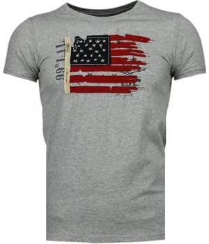 Bread & Buttons USA Flag Embroidery - T-Shirt - Grey