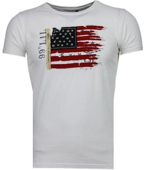 Bread & Buttons USA Flag Embroidery - T-Shirt - White